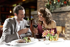 GreatOakSteakhouse-couple dining